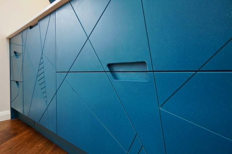 Blue kitchen with finger pull handle