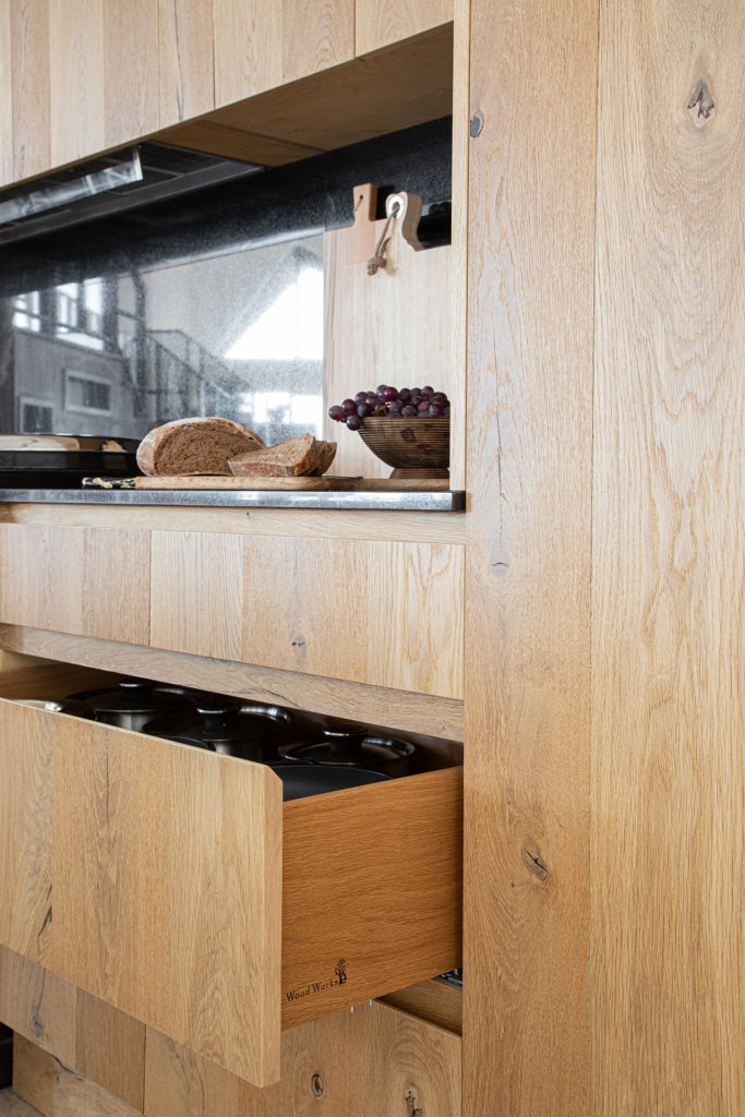 dove tail drawers