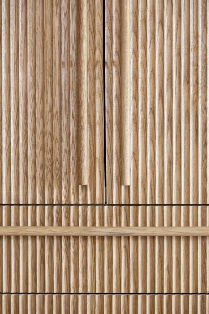 Long oak handles-fluted oak