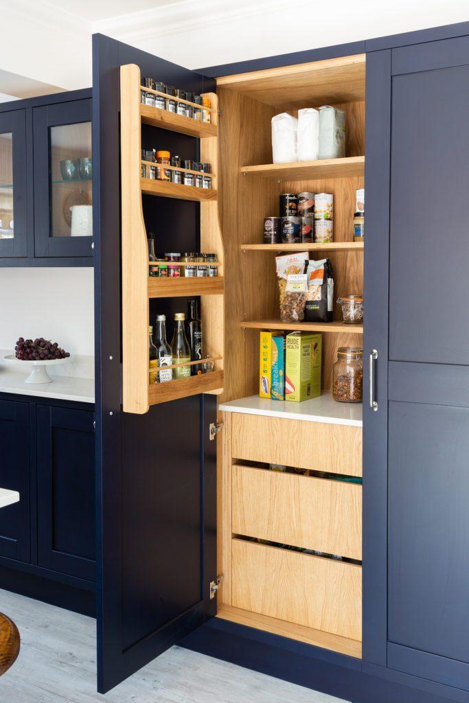 modern in frame shaker kitchen- pantry