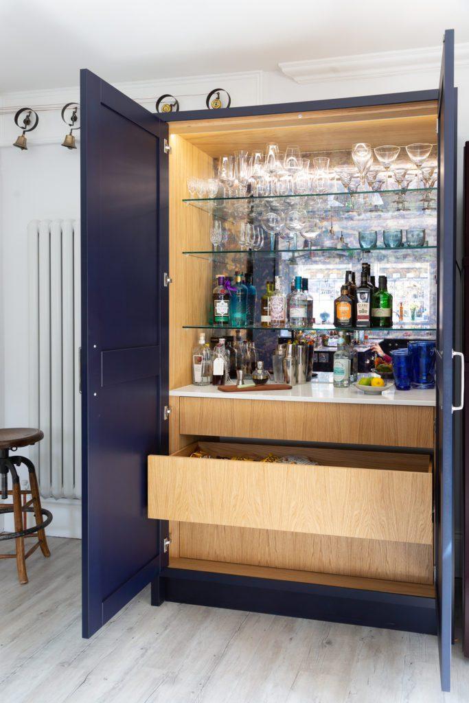 modern in frame shaker kitchen-drink cabinet-drinks bar